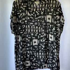 Chicos size 3 short sleeve scoop neck blouse